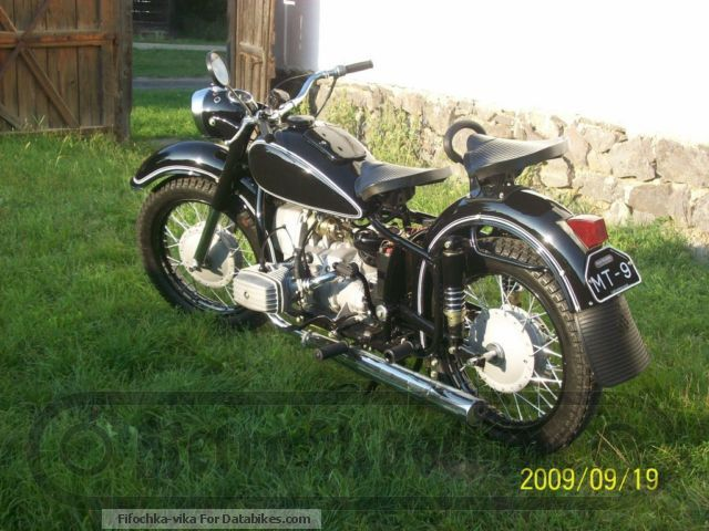 Ural  MT-9 1973 Vintage, Classic and Old Bikes photo