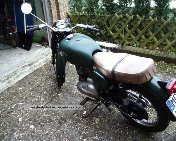 BSA  B40 1961 Vintage, Classic and Old Bikes photo