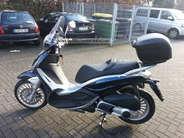 2011 Piaggio  Beverly Motorcycle Scooter photo