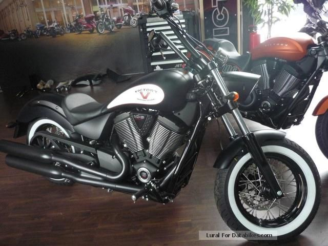 2013 VICTORY  Highball 2013 Motorcycle Chopper/Cruiser photo
