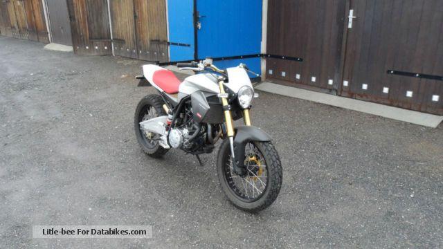 2012 Derbi  Mulhacen 659 Motorcycle Naked Bike photo