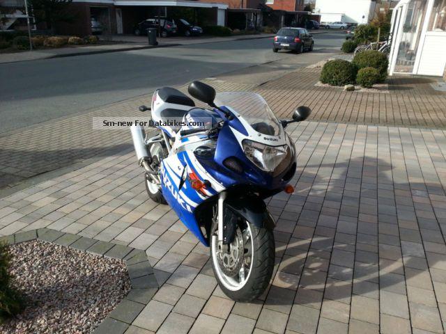 2002 Suzuki  2002 Motorcycle Sports/Super Sports Bike photo