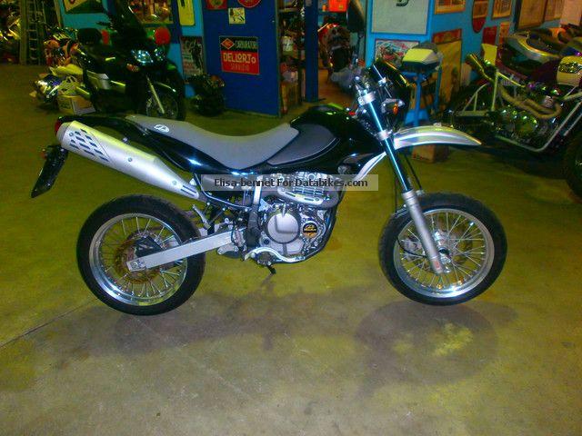 2009 Beta  motard 4.0 Motorcycle Super Moto photo