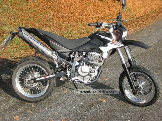 2010 Beta  M 4 Supermoto Motorcycle Super Moto photo