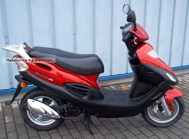 2004 Kymco  Movie 125 Motorcycle Scooter photo