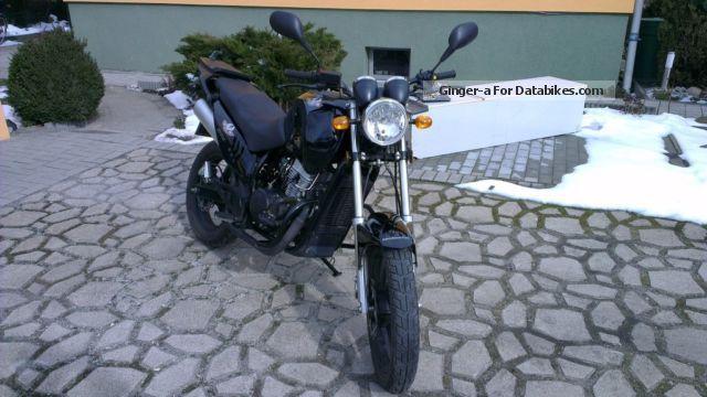 2011 WMI  125 Cross Street Motorcycle Enduro/Touring Enduro photo