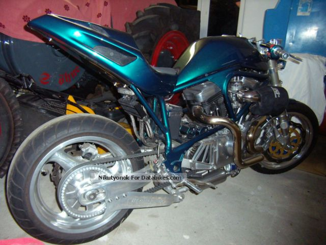 1998 Buell  M2 S1 Showbike Streetfighter Motorcycle Streetfighter photo