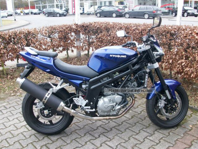 2012 Hyosung  GT 650 Motorcycle Naked Bike photo