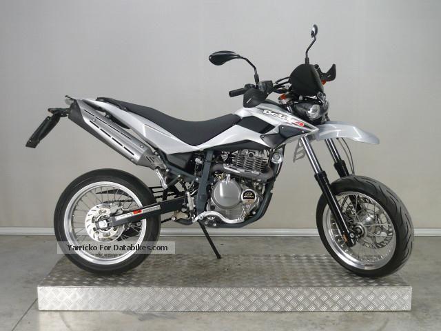 2012 Beta  M4 Motorcycle Super Moto photo