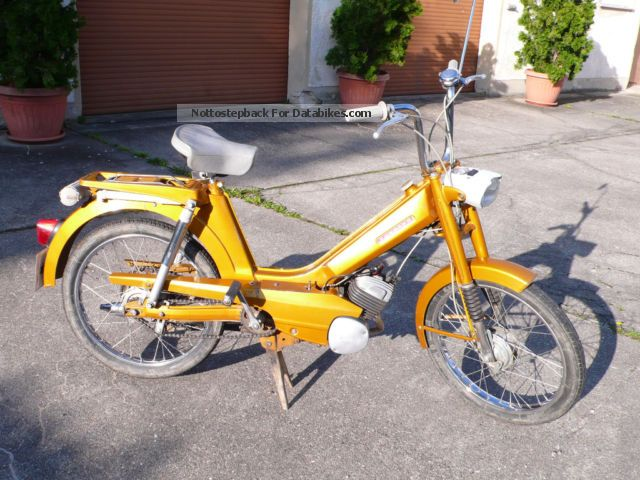 Zundapp  Zündapp 442-17 Automatic moped 1971 Vintage, Classic and Old Bikes photo
