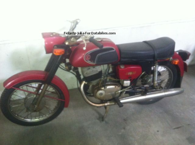 Jawa  CZ 125 Type 476 1975 Vintage, Classic and Old Bikes photo