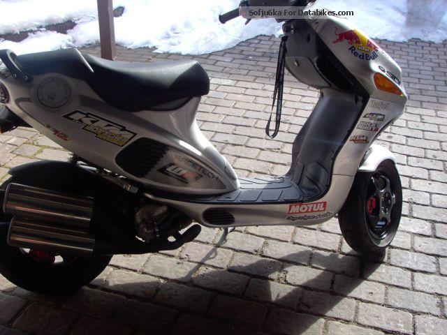 1999 Italjet  FR2 Motorcycle Scooter photo