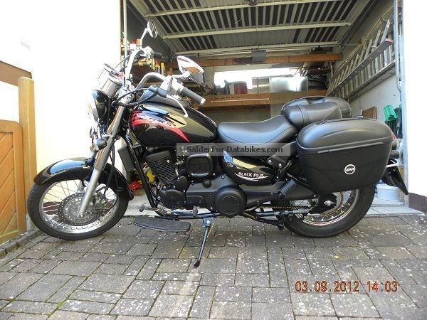 2012 Daelim  Daystar VL 125 Fi Plus Black Motorcycle Chopper/Cruiser photo