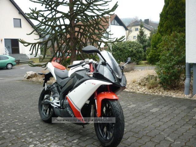 2009 Derbi  GPR 125 4t Motorcycle Sports/Super Sports Bike photo