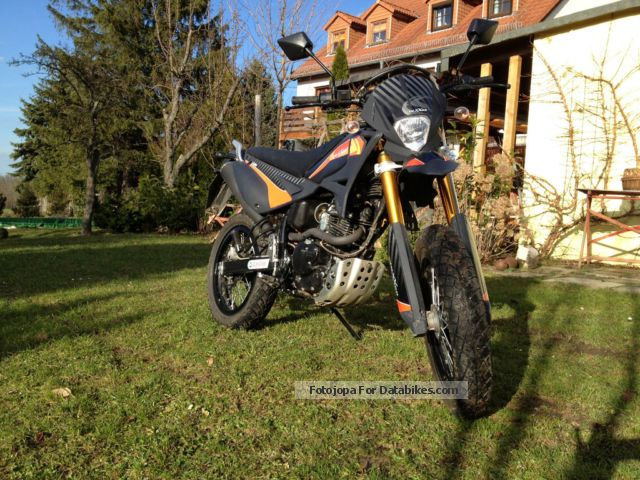 2011 Keeway  Luxxon Liger Motorcycle Super Moto photo