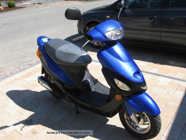 2004 Zhongyu  QM50QT-6 Motorcycle Scooter photo