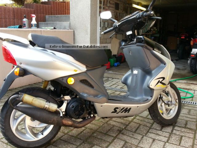 2003 SYM  Shark RS 50 Motorcycle Scooter photo