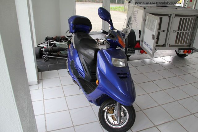 2005 Zhongyu  Future 125 - MOT 04/2015 Motorcycle Scooter photo