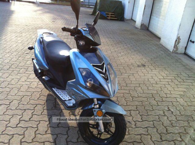 Tauris  Samba Racing 50 2012 Scooter photo