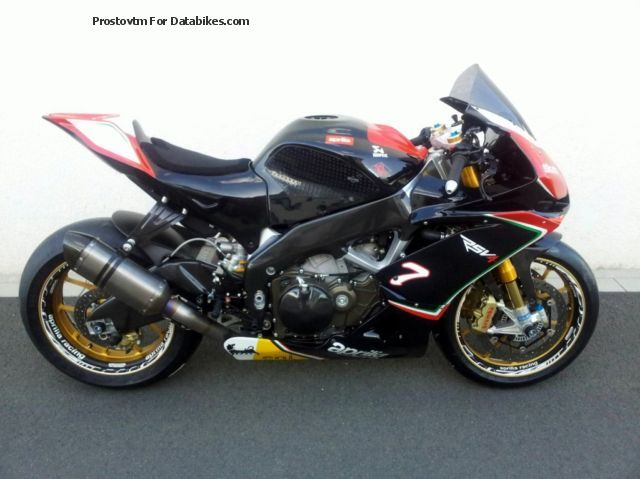 2013 Aprilia  RSV 4 APRC racing machine, Ohlins, Akra, etc. Motorcycle Racing photo