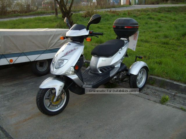 2011 PGO  TR-3, T-Rex three-wheeler trike scooter, like new Motorcycle Motor-assisted Bicycle/Small Moped photo