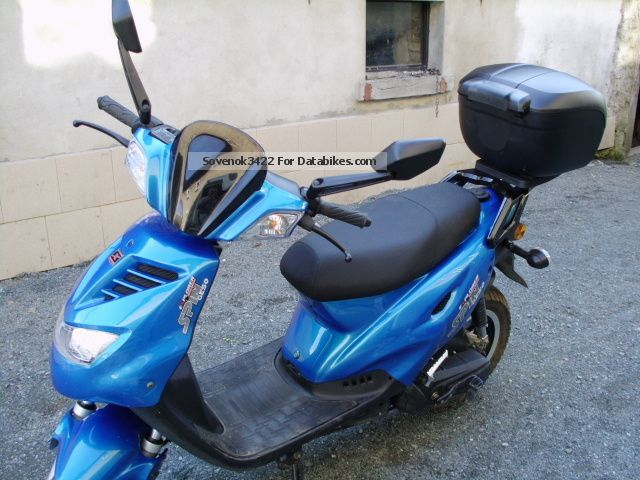 2012 explorer kkr moped to 25 km h. Black Bedroom Furniture Sets. Home Design Ideas
