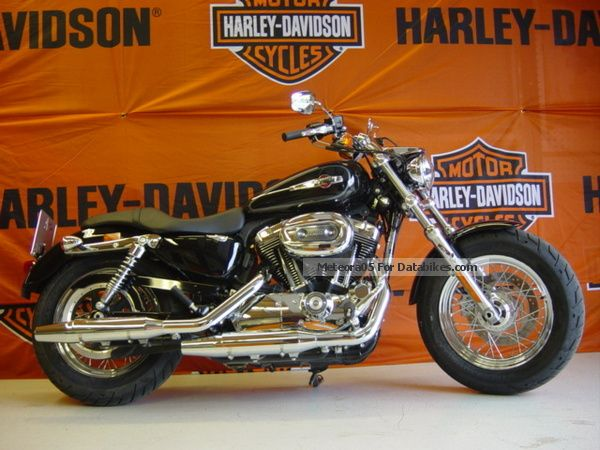 2013 Harley Davidson  Harley-Davidson XL1200C SPORTSTER CUSTOM Motorcycle Sports/Super Sports Bike photo