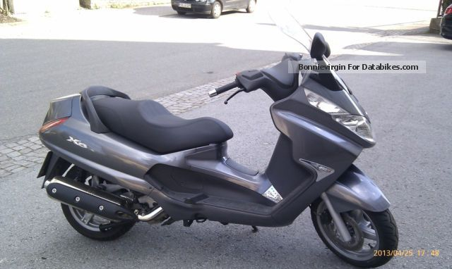 2012 Piaggio  X8 400 Motorcycle Scooter photo
