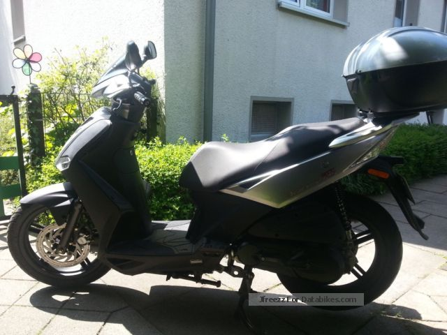 2010 Kymco  Agility Motorcycle Scooter photo