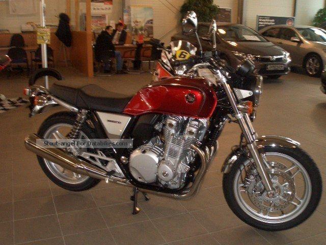2013 Honda  CB 1100 ABS Motorcycle Naked Bike photo