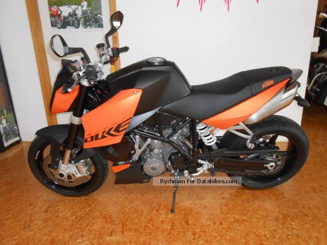 2011 KTM  Super Duke 990 2011 Motorcycle Motorcycle photo