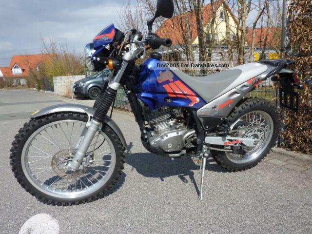 2004 Beta  Alp 200 Motorcycle Enduro/Touring Enduro photo