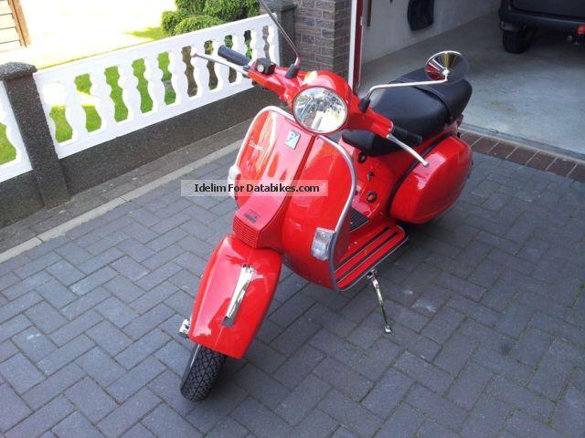 2011 Vespa  150 px Motorcycle Scooter photo