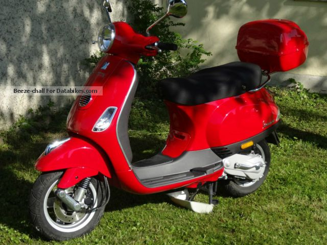 Vespa  LX 50 T2 2012 Scooter photo