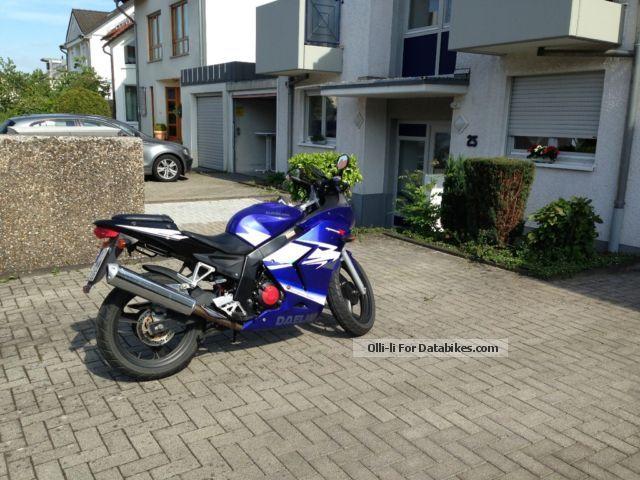 2012 Daelim  125 R Motorcycle Lightweight Motorcycle/Motorbike photo