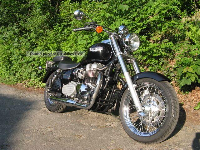 2004 Triumph  America Motorcycle Chopper/Cruiser photo