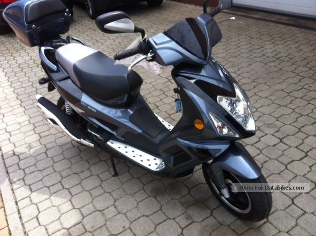 2013 Baotian  125 HT - 25 City Series Motorcycle Scooter photo