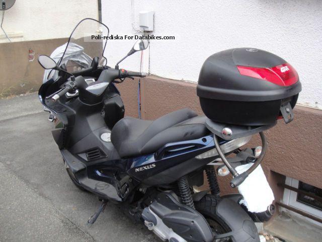 2012 Gilera  Nexus 250 Motorcycle Scooter photo