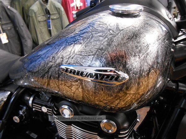 2013 Triumph  THUNDERBIRD STORM 1.Hand, new color Motorcycle Chopper/Cruiser photo