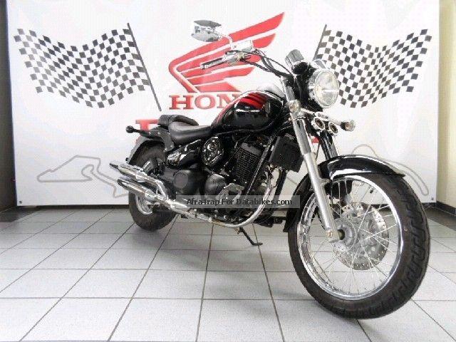 2012 Daelim  VL 125 Daystar Motorcycle Lightweight Motorcycle/Motorbike photo