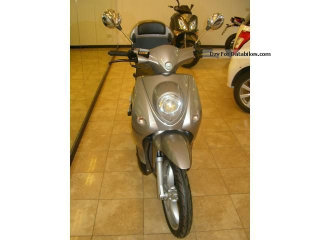 2012 Benelli  Pepe 2t Motorcycle Scooter photo