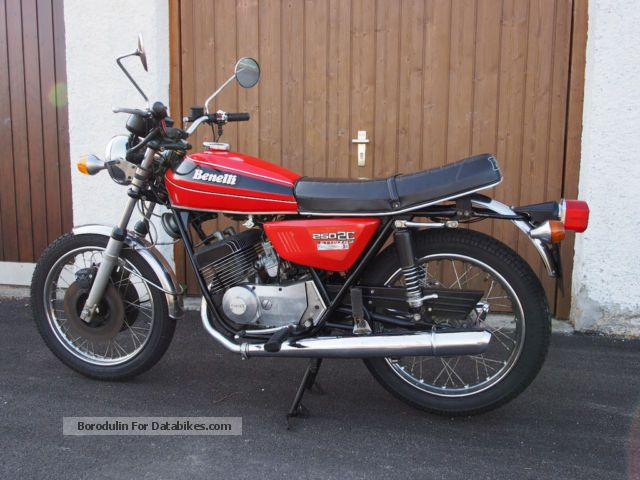 Benelli  250 2C 1977 Vintage, Classic and Old Bikes photo