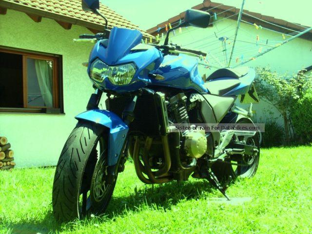 2004 Kawasaki  750 Motorcycle Naked Bike photo