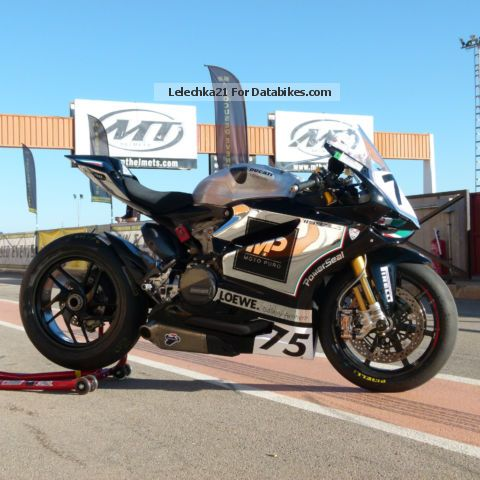 2013 Ducati  1199 SuperStock panigale Motorcycle Racing photo