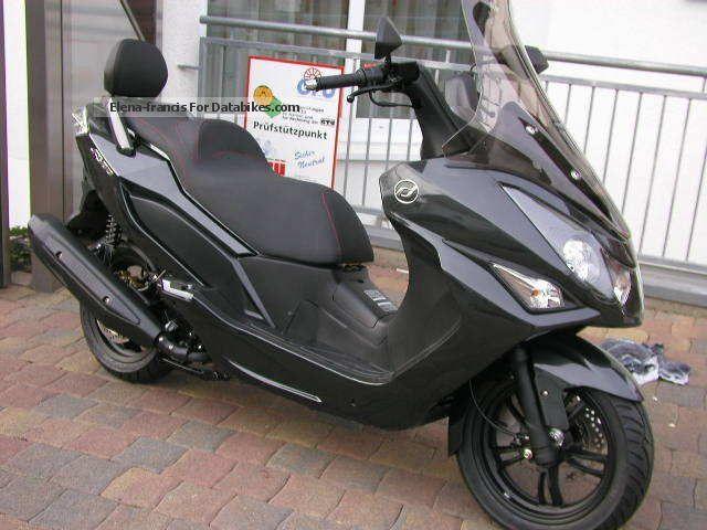 Daelim  300 S Premium offer special price in stock 2012 Scooter photo