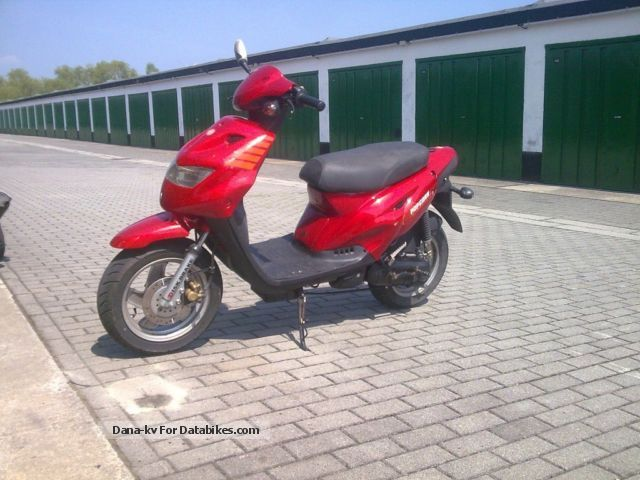 2001 Generic  CPI POPCORN Motorcycle Scooter photo
