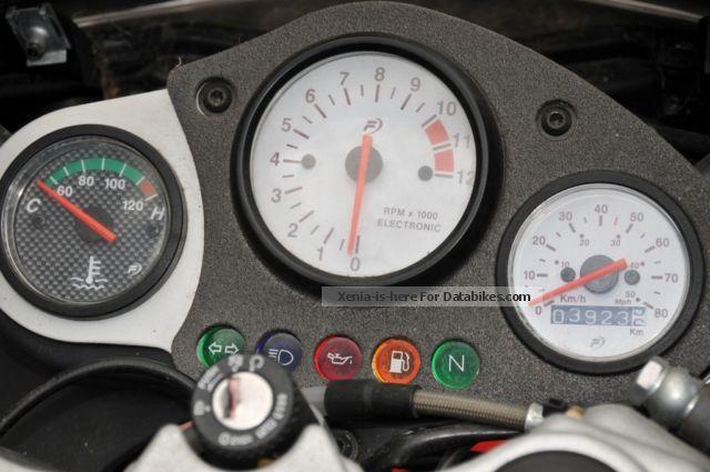 2007 Peugeot Xr6