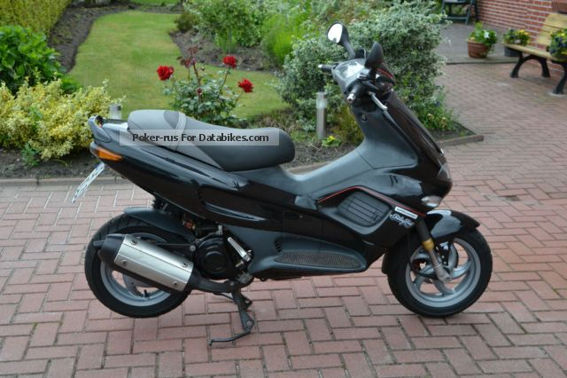1998 Gilera  125 FX Motorcycle Scooter photo