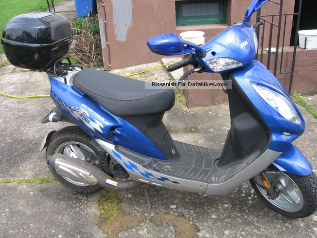 2010 SYM  EUR X50 Motorcycle Scooter photo