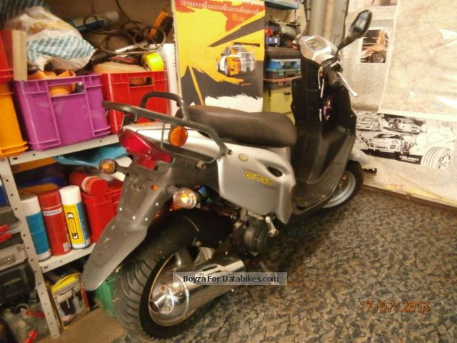2002 CPI  Bingo Motorcycle Motor-assisted Bicycle/Small Moped photo